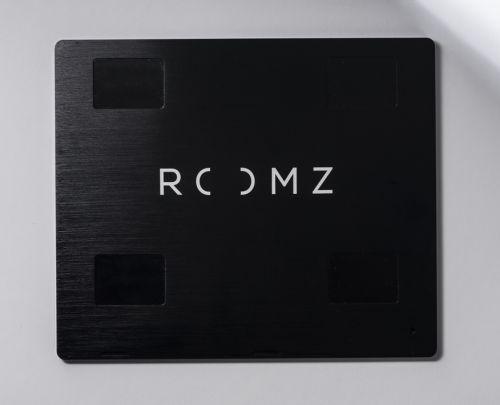 ROOMZ display back